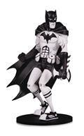 DC Artists Alley Batman B&W Vinyl Fig Nooligan
