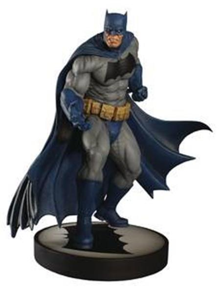DC BATMAN DARK KNIGHT 12.5IN MAQUETTE (Net) (C: 1-1-2)
