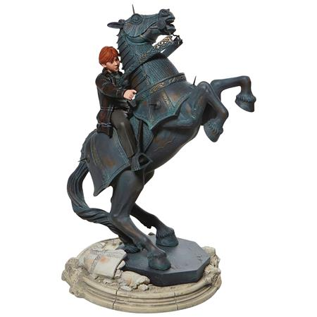 HARRY POTTER RON ON CHESS HORSE 12IN STATUE (C: 1-1-2)