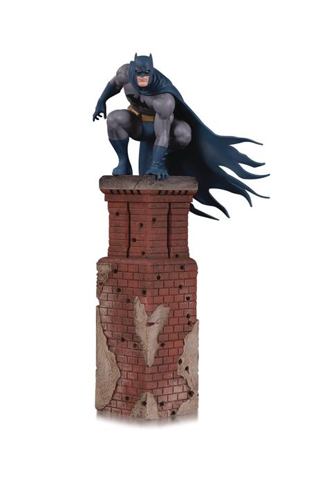 BAT FAMILY BATMAN MULTI PART STATUE