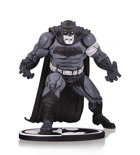 BATMAN BLACK & WHITE STATUE BY KLAUS JANSON