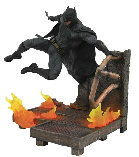 JLA MOVIE GALLERY BATMAN PVC FIGURE (C: 1-1-2)