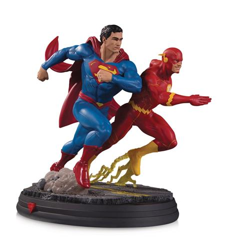 DC GALLERY SUPERMAN VS FLASH RACING STATUE 2ND ED