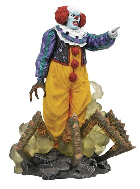 IT 1990 GALLERY PENNYWISE PVC STATUE (C: 1-1-0)