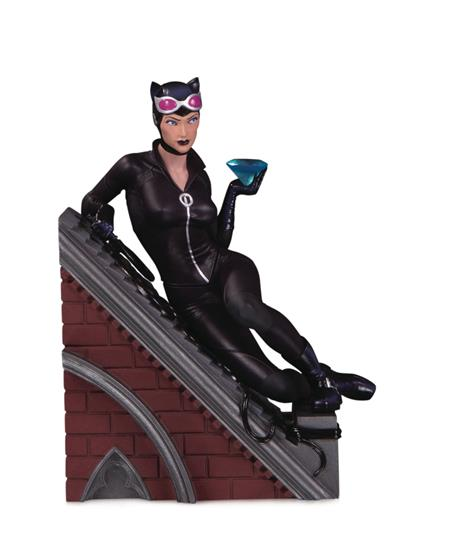 VILLAINS MULTI PART STATUE CATWOMAN