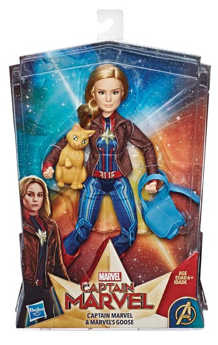 CAPTAIN MARVEL DLX HERO FASHION DOLL CS (Net) (C: 1-1-2)