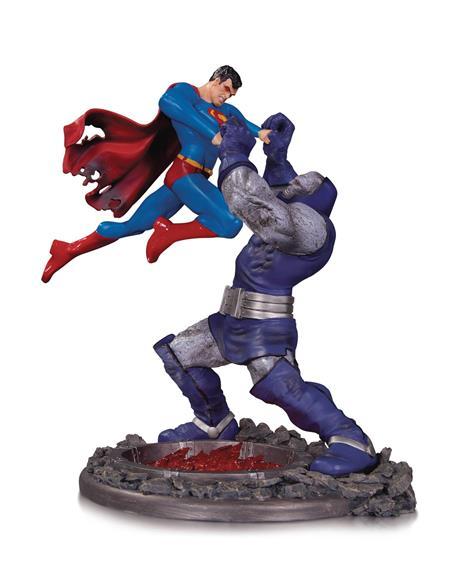 SUPERMAN VS DARKSEID BATTLE STATUE THIRD EDITION