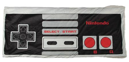 NINTENDO SYSTEM CONTROLLER SHAPED FLEECE POCKET THROW (C: 1-