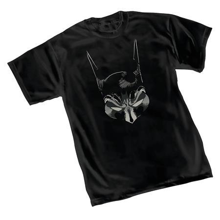 BATMAN COWL T/S LG (C: 1-1-0)