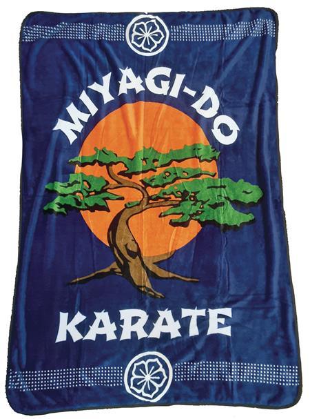 COBRA KAI MIYAGI-DO LOGO FLEECE BLANKET (C: 1-1-2)